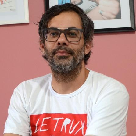 2) Processos Artísticos do Corpo e da Intimidade, linha de pesquisa coordenada pelo professor Dr. Odinaldo da Costa Silva (FAV/UFG).